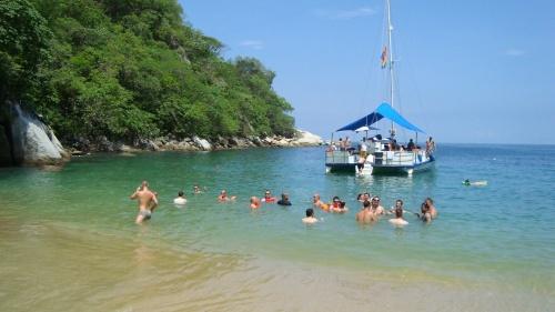Bay of Banderas, Puerto Vallarta. Doomsday predictions, economic woes and ...